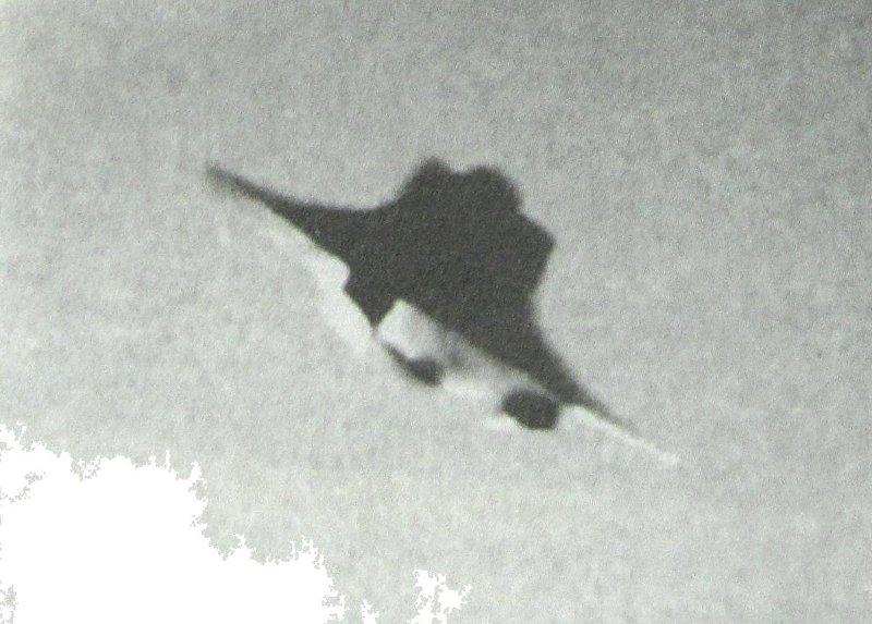 VRIL-ODIN, април 1945 г. с видимо в долната част лъчево оръдие